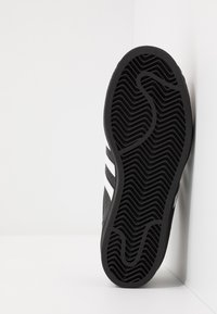 adidas Originals - SUPERSTAR - Sneaker low - core black/footwear wihte