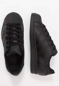adidas Originals - SUPERSTAR - Sneaker low - core black - 0