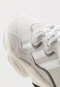 adidas Originals - OZWEEGO  - Trainers - crystal white/footwear white/offwhite - 2