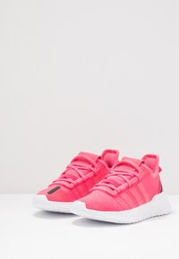 adidas Originals - U_PATH RUN - Sneakers laag - real pink/footwear white - 3