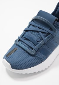 adidas Originals - U_PATH RUN - Joggesko - navy marine/footwear white - 2