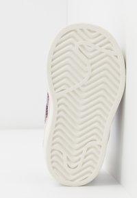 adidas Originals - SUPERSTAR  - Sneakers laag - purple tint/legend purple/offwhite - 5