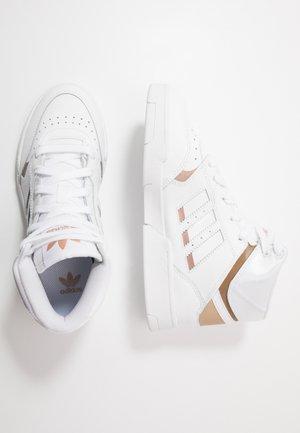 DROP STEP - Zapatillas altas - footwear white/copper metallic