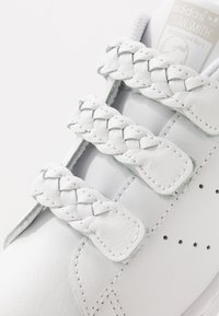 adidas Originals - STAN SMITH  - Sneaker low - footwear white/grey one - 2