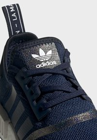 adidas Originals - NMD_R1 SHOES - Sneakers laag - blue - 5