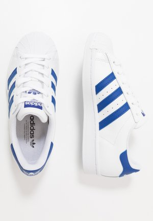 SUPERSTAR SPORTS INSPIRED SHOES - Baskets basses - footwear white/royal blue
