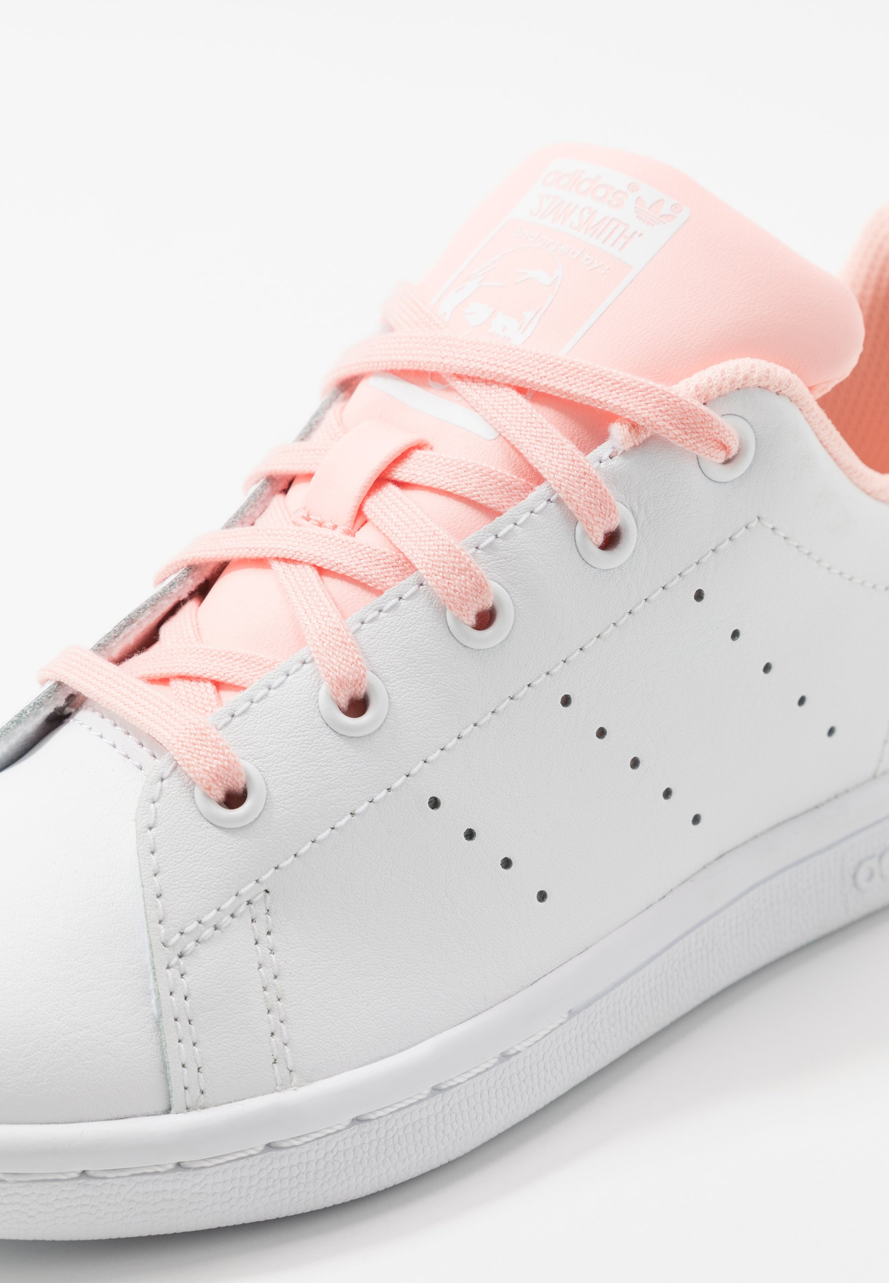 adidas Originals STAN SMITH - Sneakers basse - footwear white/haze coral wTjL4oo7