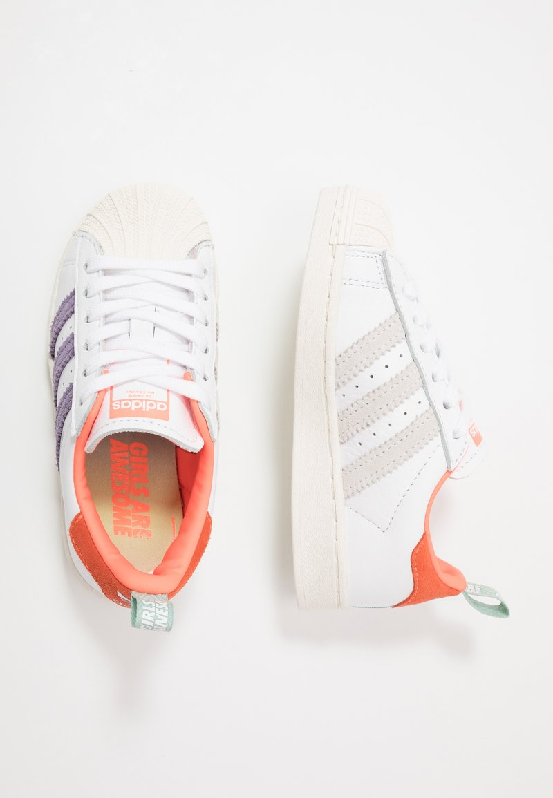 adidas Originals - 2020-04-22 SUPERSTAR GIRLS ARE AWESOME SHOES - Sneakers laag - white