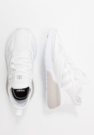 ZX - Tenisky - footwear white/grey two