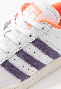 adidas Originals - SUPERSTAR - Sneakers laag - white - 2