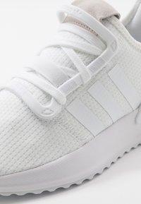 adidas Originals - U_PATH RUN - Sneakers - footwear white - 2