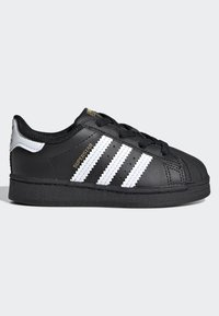 adidas Originals - SUPERSTAR SHOES - Sneakersy niskie - black - 5