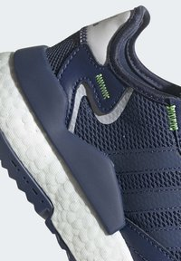adidas Originals - NITE JOGGER SHOES - Sneakers basse - blue - 7