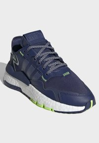 adidas Originals - NITE JOGGER SHOES - Sneakers basse - blue - 2