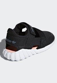 adidas Originals - DOOM SANDALS - Baskets basses - black - 3
