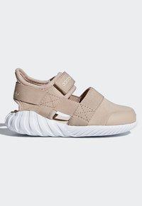 adidas Originals - DOOM SANDALS - Baskets basses - beige - 8