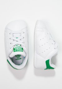 adidas Originals - STAN SMITH CRIB - Babyschoenen - white/green - 0