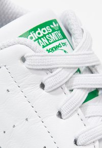 adidas Originals - STAN SMITH CRIB - Babyschoenen - white/green - 2