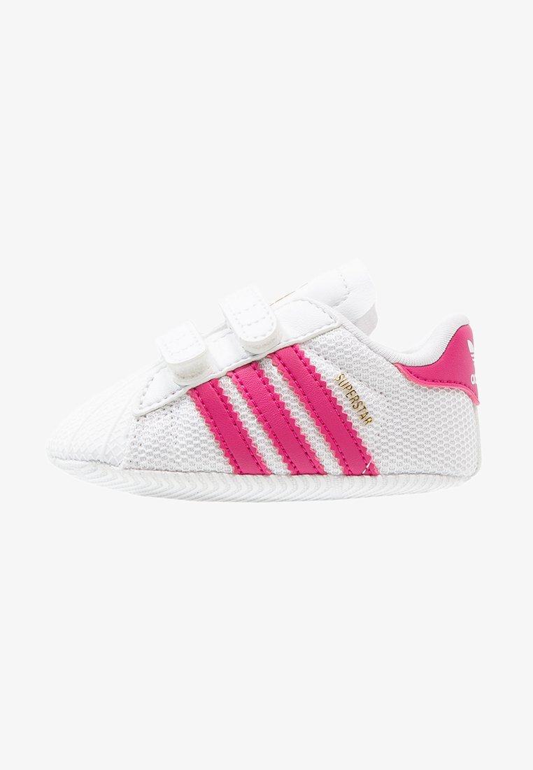 adidas Originals - SUPERSTAR  - Babyskor - white/bold pink