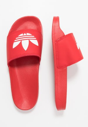 ADILETTE LITE - Sandalias planas - scarlet/footwear white