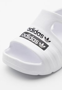 adidas Originals - ADILETTE PLAY - Sandales de bain - footwear white/core black - 5