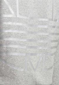 adidas Originals - LARGE LOGO CREW SWEATSHIRT - Sweatshirt - grey - 3