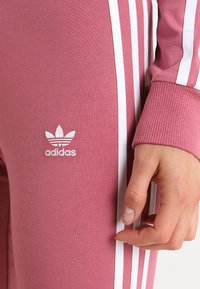 adidas Originals - ADICOLOR 3 STRIPES TIGHTS - Leggings - Trousers - trace maroon - 4