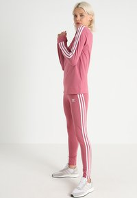 adidas Originals - ADICOLOR 3 STRIPES TIGHTS - Leggings - Trousers - trace maroon - 1