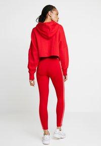 adidas Originals - ADICOLOR 3 STRIPES TIGHTS - Legginsy - scarlet - 2