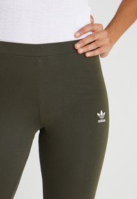 adidas Originals - ADICOLOR 3 STRIPES TIGHTS - Leggings - Trousers - night cargo - 5