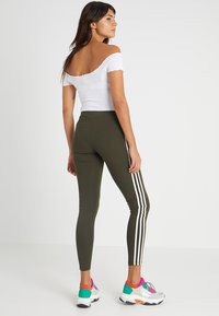 adidas Originals - ADICOLOR 3 STRIPES TIGHTS - Leggings - Trousers - night cargo - 2