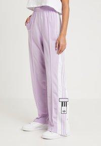 adidas Originals - ADIBREAK PANT - Träningsbyxor - purple glow - 0