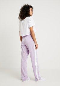 adidas Originals - ADIBREAK PANT - Träningsbyxor - purple glow - 2