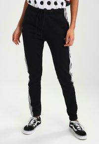 adidas Originals - ADICOLOR REGULAR CUF - Joggebukse - black - 0