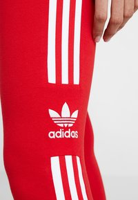 adidas Originals - ADICOLOR TREFOIL TIGHT - Leggings - Hosen - scarlet - 5