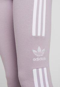 adidas Originals - ADICOLOR TREFOIL TIGHT - Leggings - lilac - 4