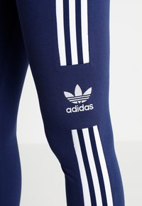 adidas Originals - ADICOLOR TREFOIL TIGHT - Leggings - Hosen - dark blue - 4