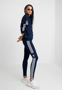 adidas Originals - ADICOLOR TREFOIL TIGHT - Leggings - collegiate navy - 1