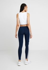 adidas Originals - ADICOLOR TREFOIL TIGHT - Leggings - collegiate navy - 2