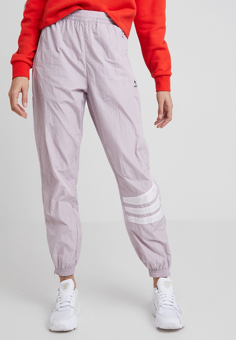 adidas Originals - CUFFED PANTS - Pantalon de survêtement - soft vision