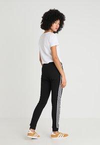adidas Originals - REGULAR CUF - Træningsbukser - black - 2