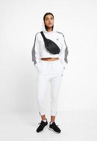 adidas Originals - PANT - Tracksuit bottoms - white - 1