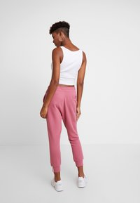 adidas Originals - PANT - Spodnie treningowe - trace maroon - 3
