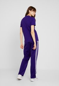 adidas Originals - FIREBIRD - Joggebukse - collegiate purple - 2