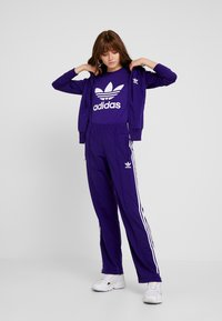 adidas Originals - FIREBIRD - Joggebukse - collegiate purple - 1