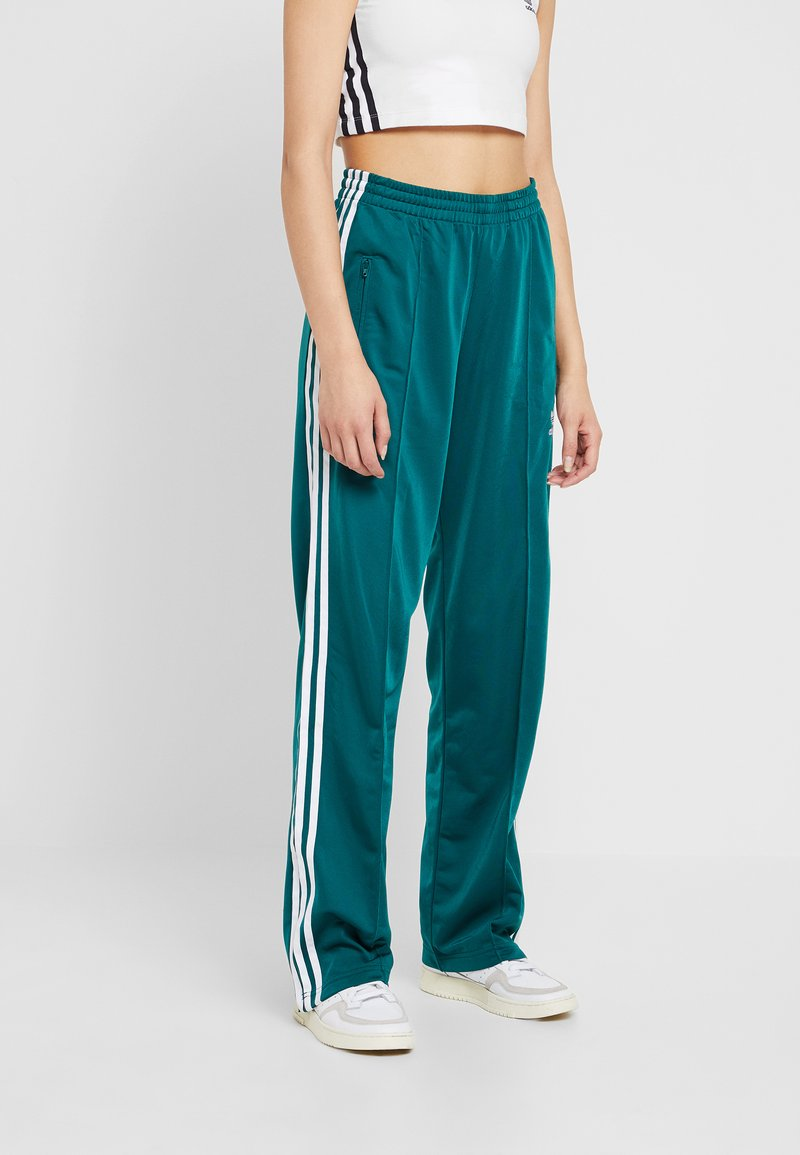 adidas Originals - FIREBIRD - Trainingsbroek - noble green