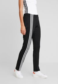 adidas Originals - TRACK PANT - Teplákové kalhoty - black - 0