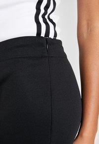 adidas Originals - TRACK PANT - Verryttelyhousut - black - 5