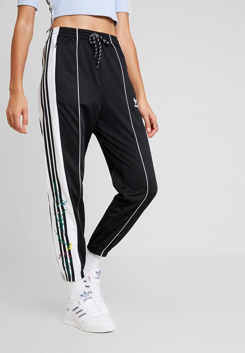 adidas Originals - TRACK PANTS - Verryttelyhousut - black