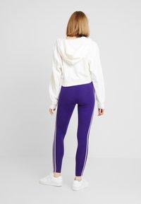 adidas Originals - ADICOLOR 3 STRIPES TIGHTS - Leggings - Trousers - collegiate purple - 2